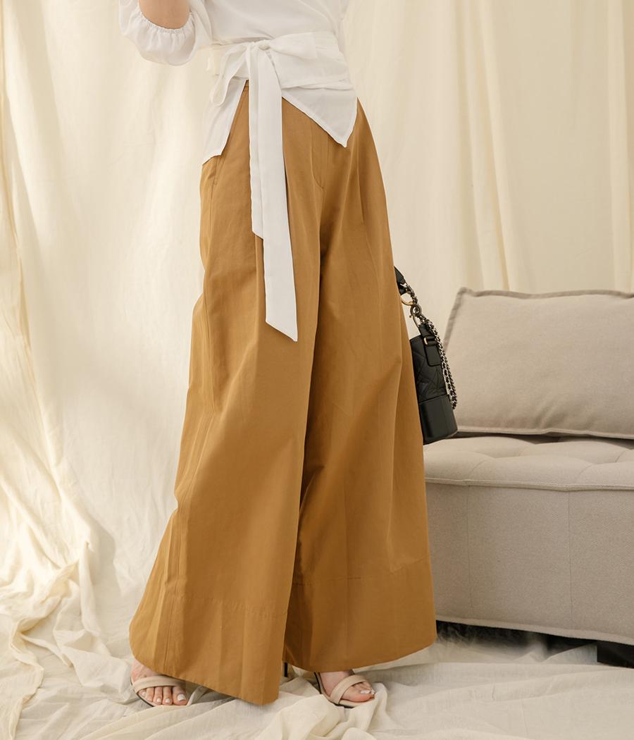 12.俐落線條雙摺剪裁寬褲