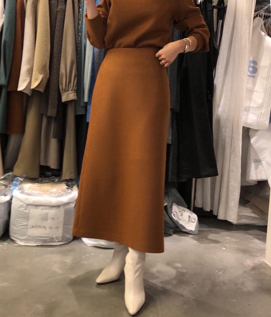 亮彩色調70%羊毛窄裙
