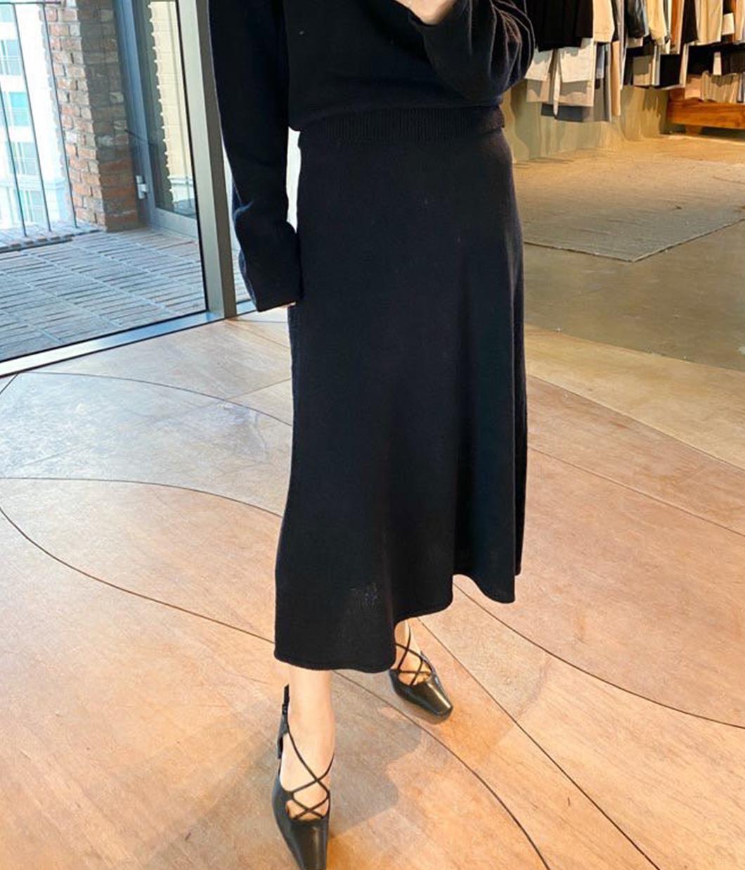 百搭色調羊毛傘襬針織裙