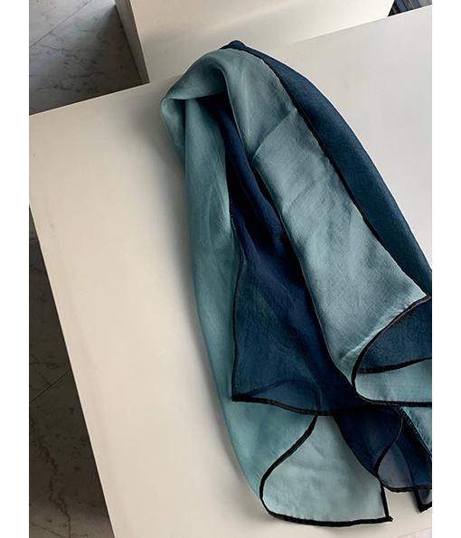 繽紛拼色設計絲巾