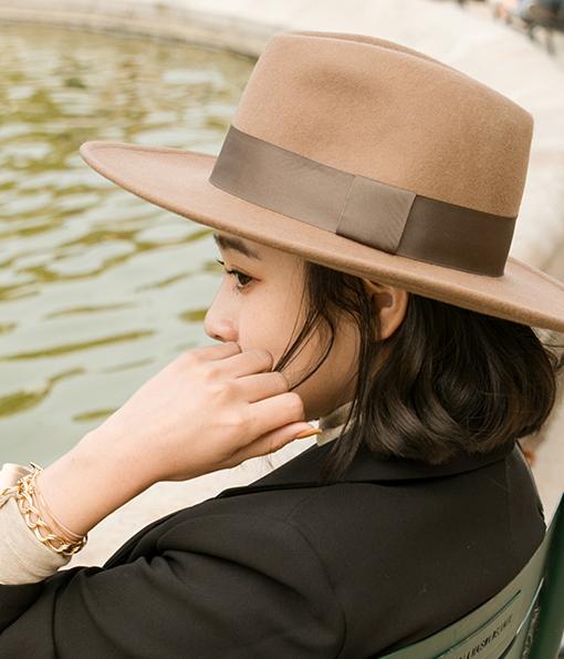 寬帽沿質感毛呢紳士帽 (9cm)織帶款 (限宅配)