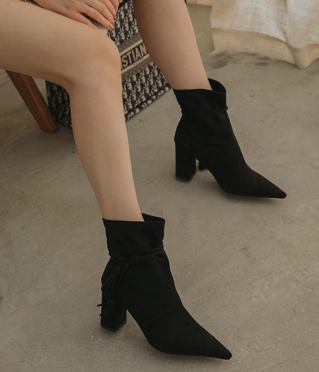 秋氛流蘇線條麂皮粗跟靴