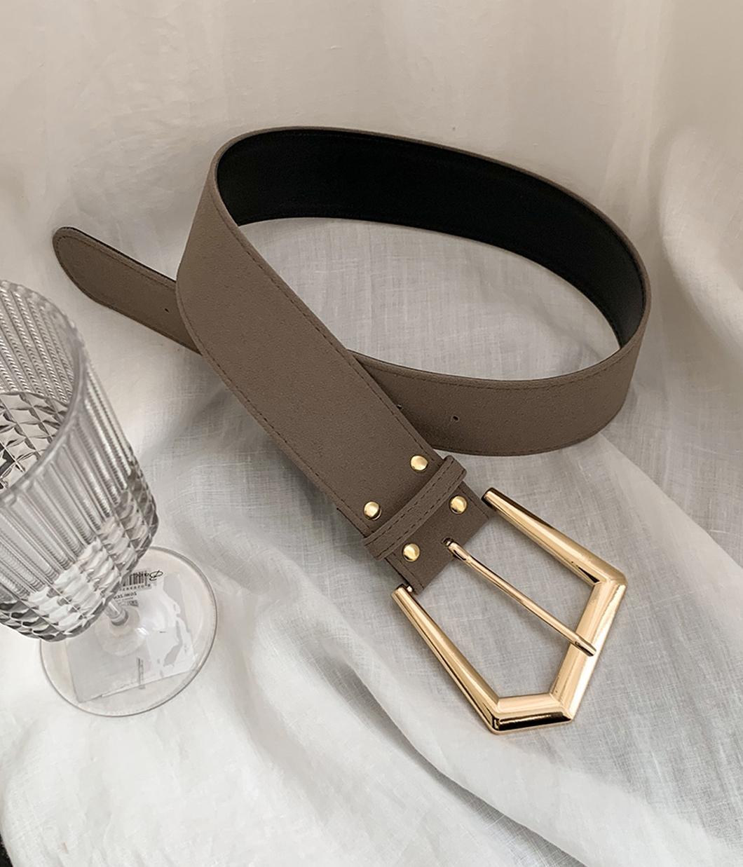造型感金屬釦腰帶