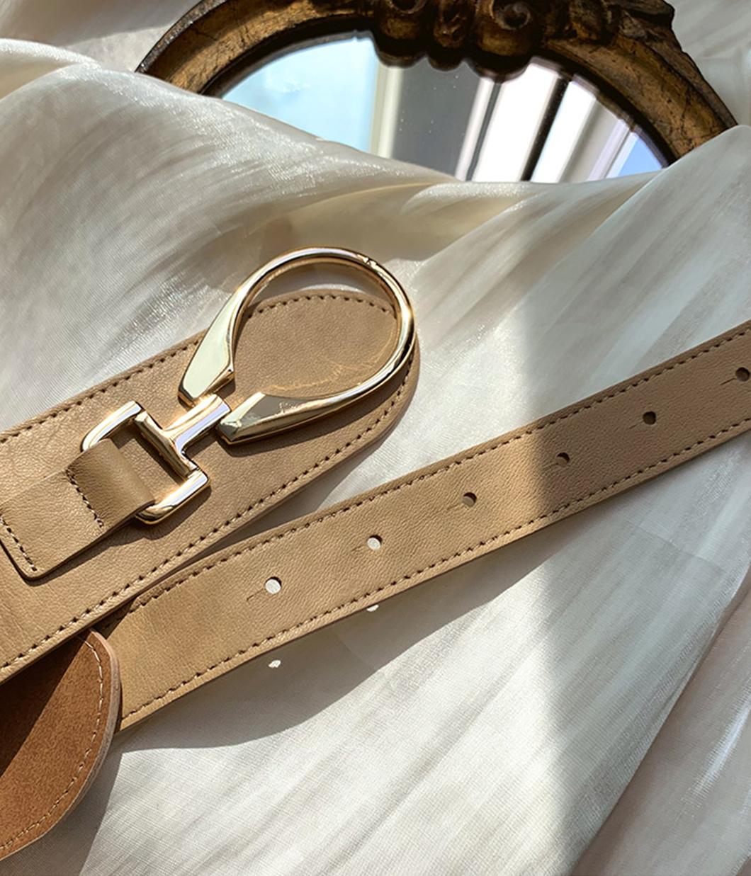 時髦感單品素面金屬扣腰封
