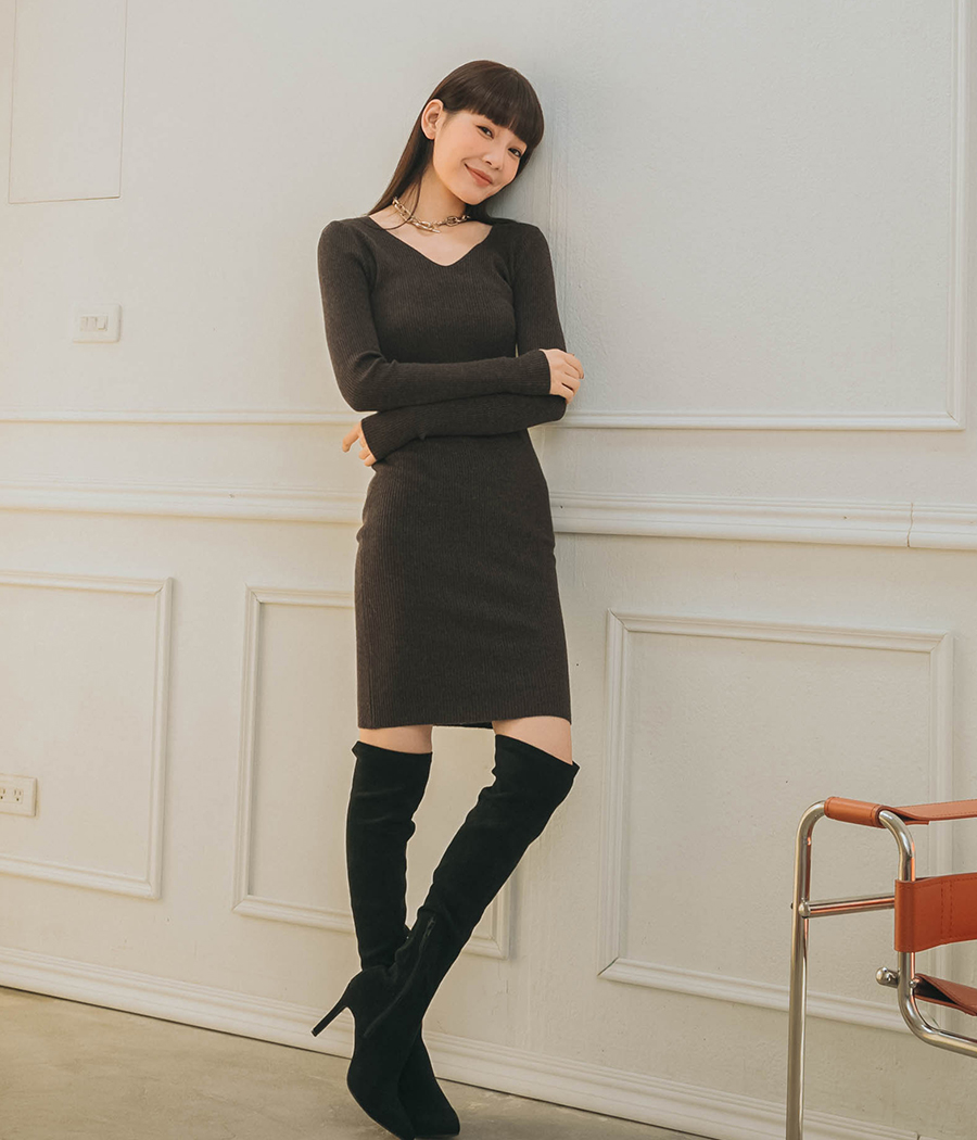 性感細坑條V領合身短洋裝