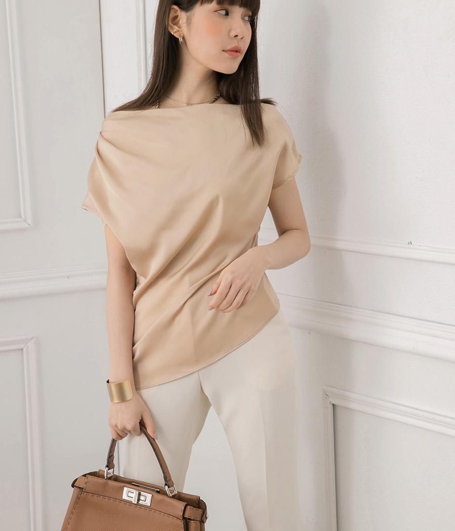 26.簡單純色垂領上衣