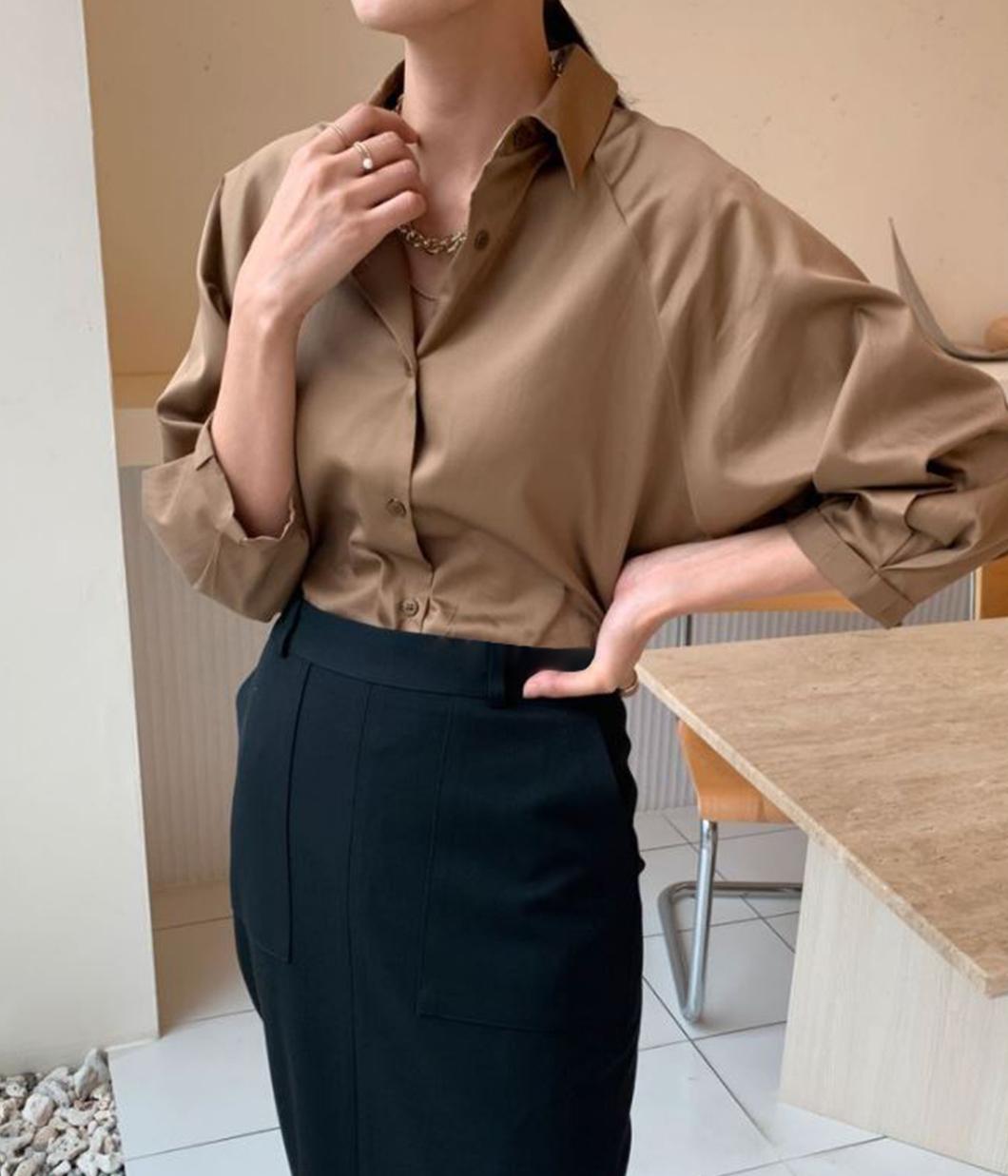 42.簡約無肩線設計七分袖襯衫