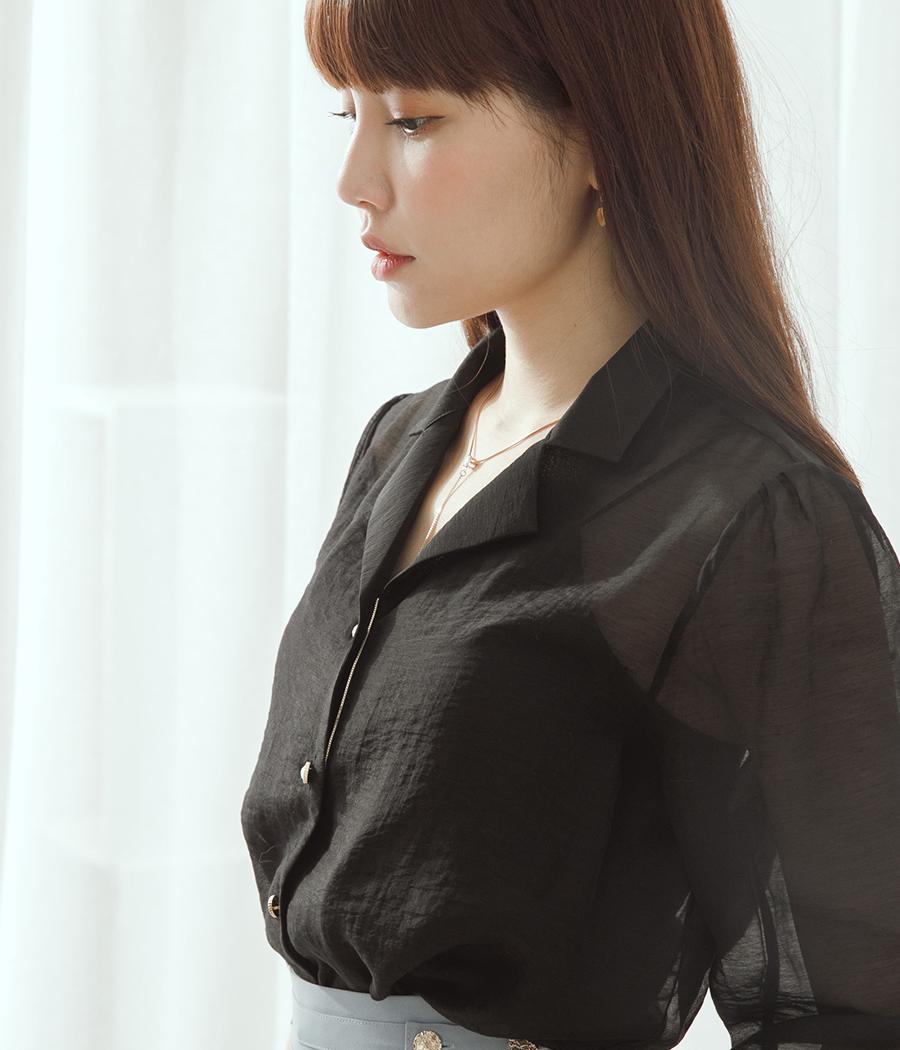 23.微透光溫柔感金扣襯衫