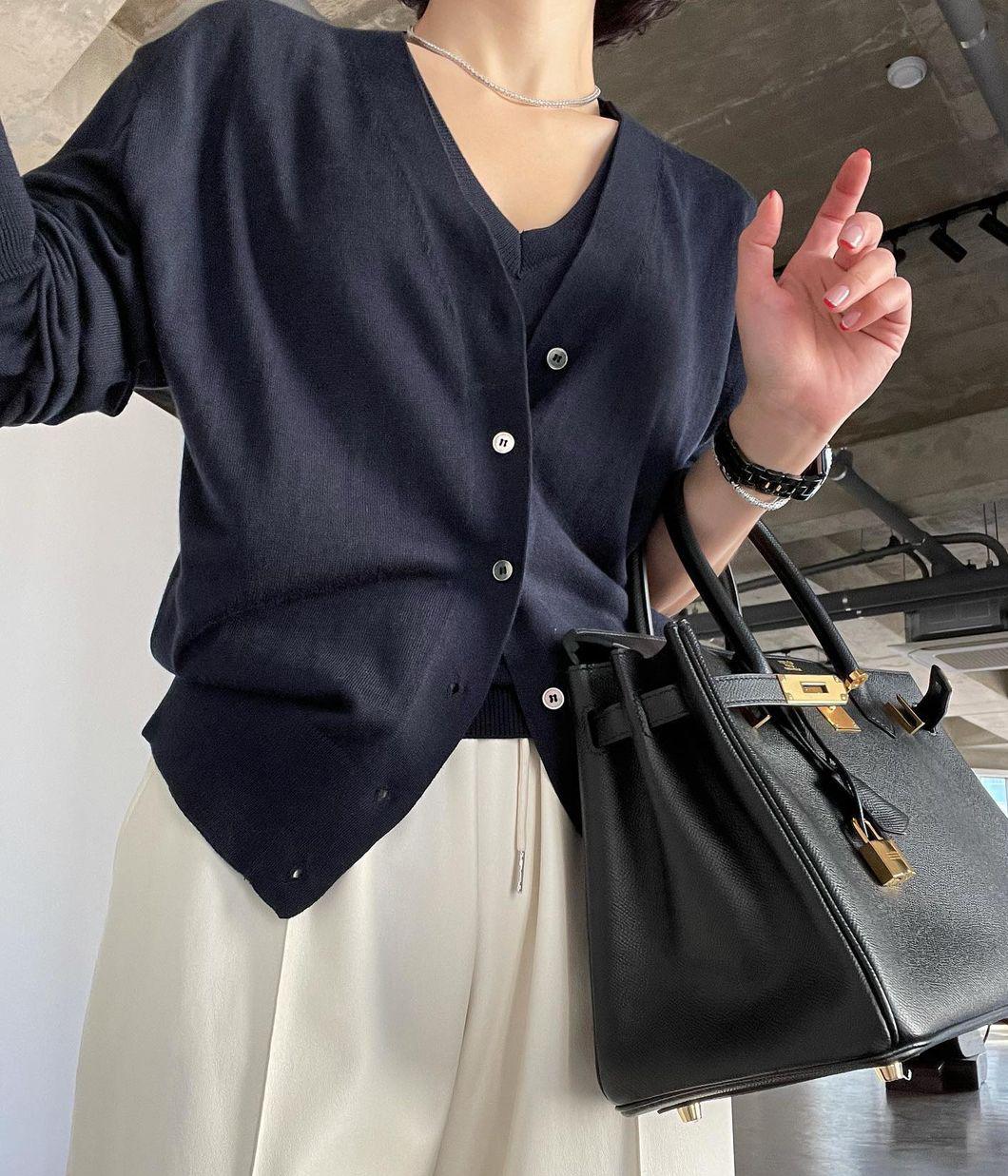 4.簡單氣質假兩件式針織上衣