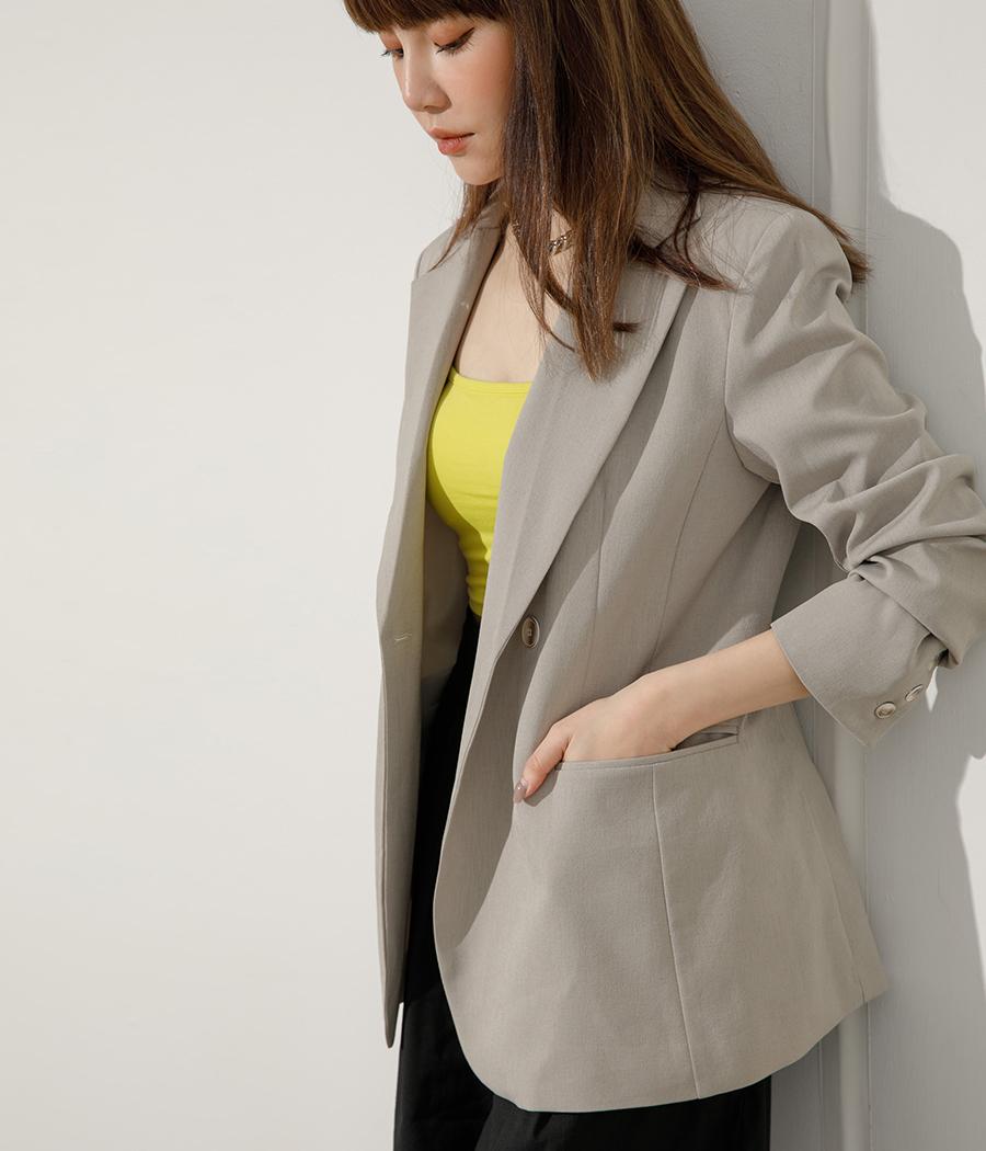 8.俐落剪裁綁帶西裝外套