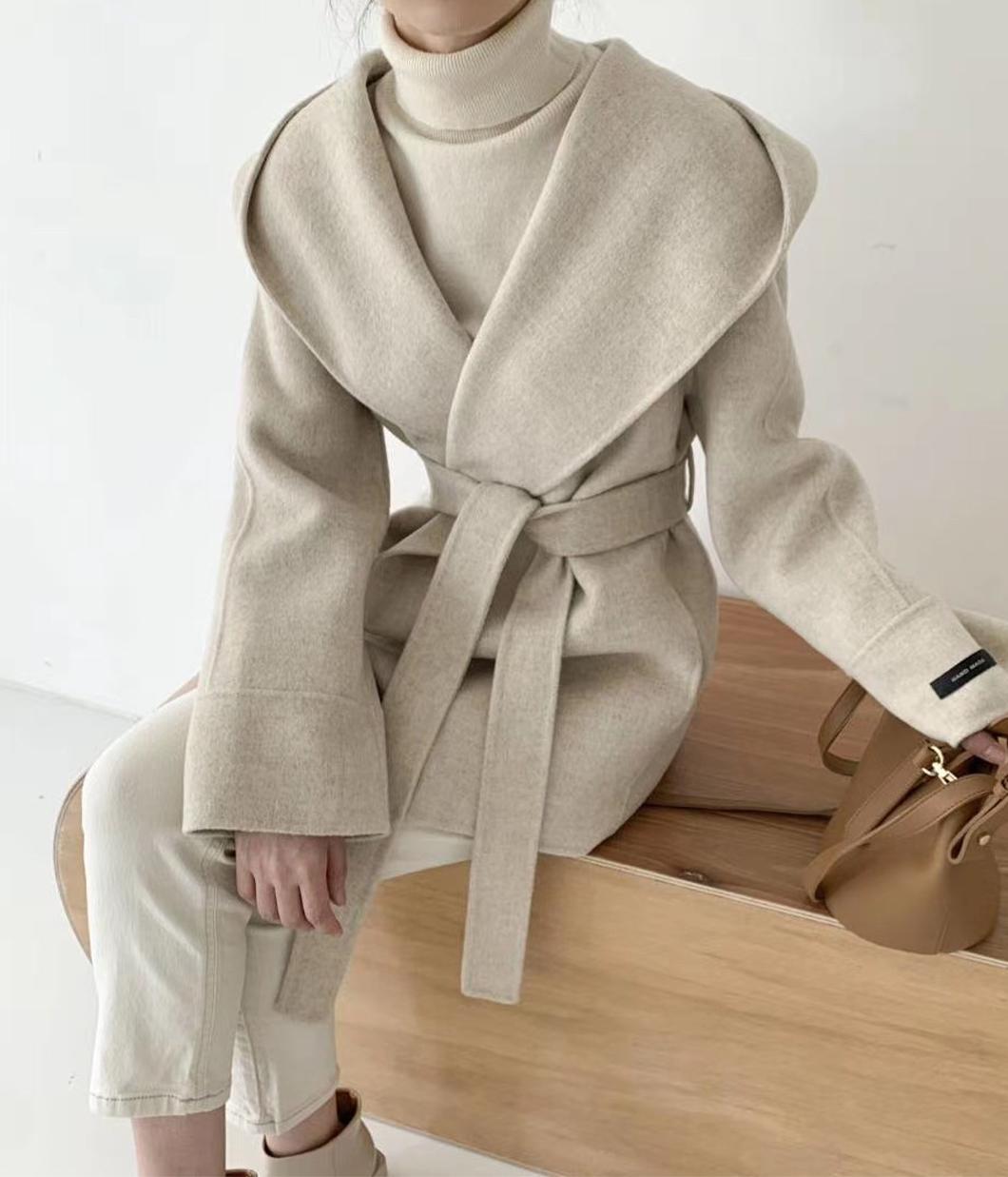 85.羊毛90%手工連帽短大衣