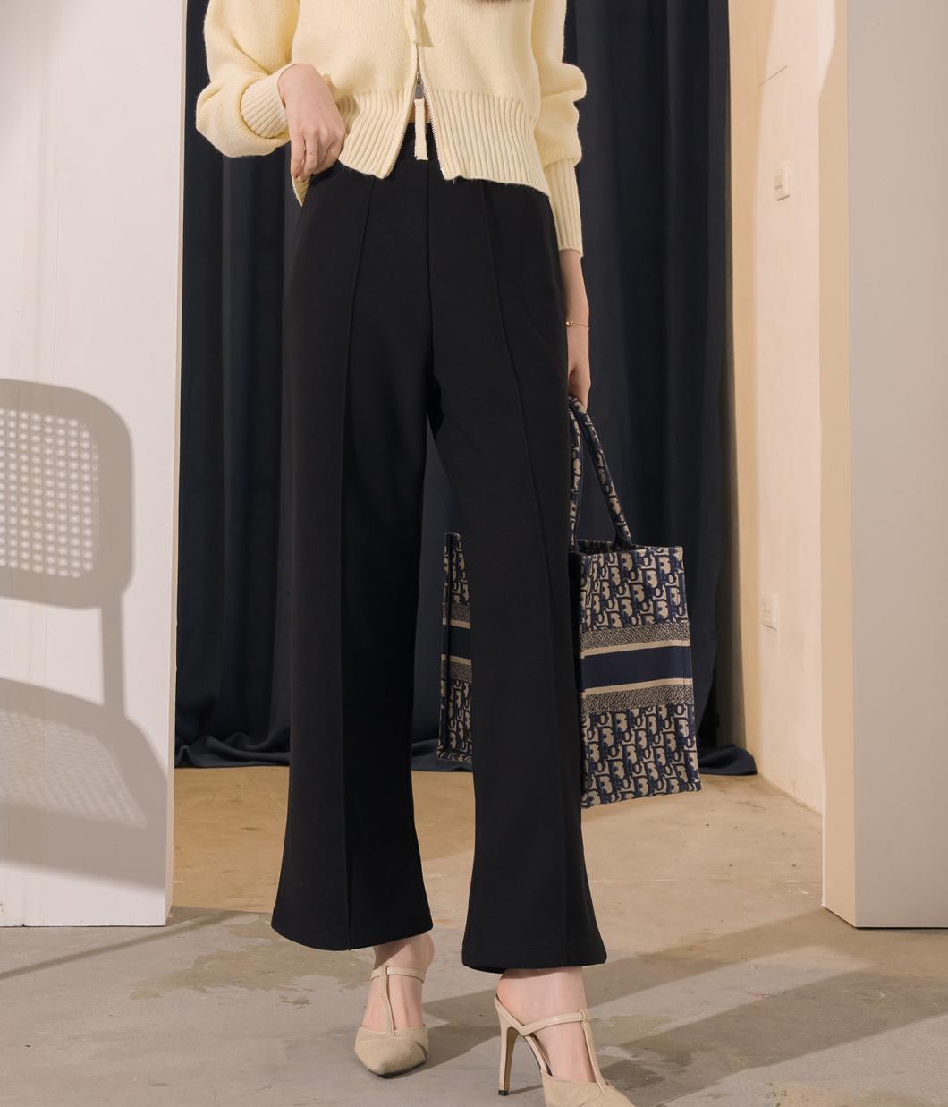 22.鬆緊腰頭壓線設計直筒寬褲