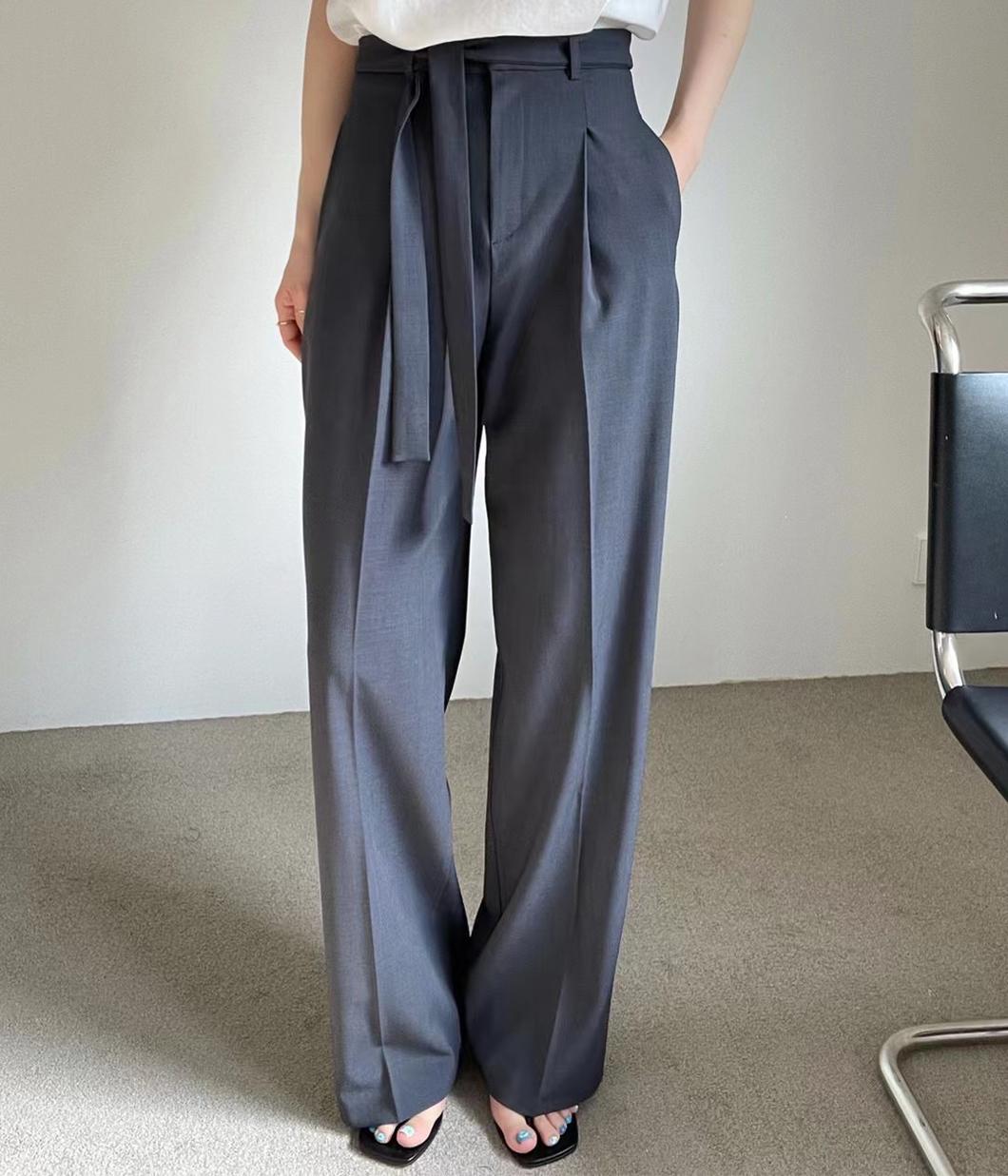 3.修飾滿分率性綁帶長褲