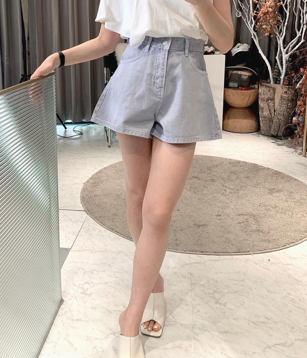 清新休閒A字瘦腿短褲
