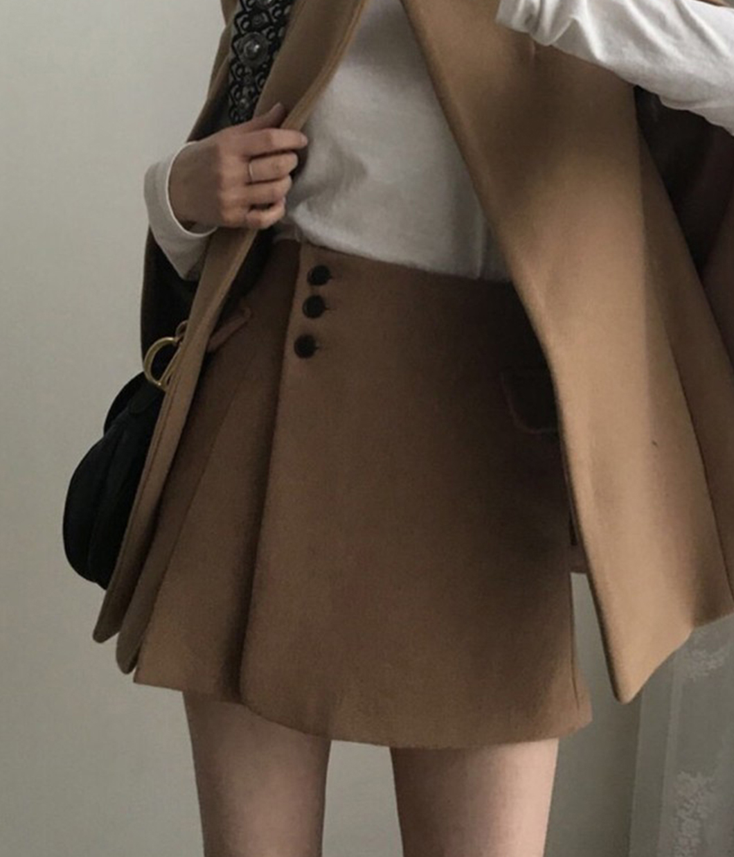 氣勢版點斜釦毛呢短裙