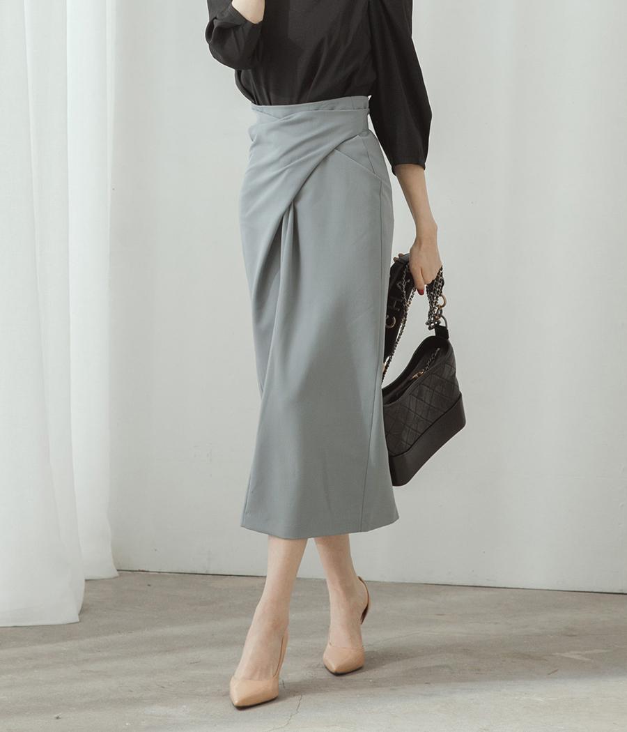 3.簡約設計交錯綁腰裙