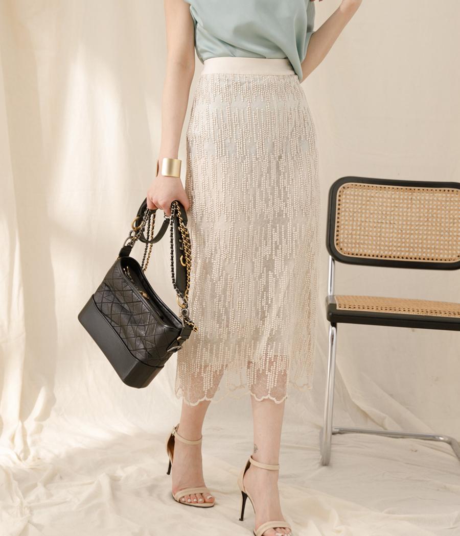 25.柔和優雅立體感亮亮長裙