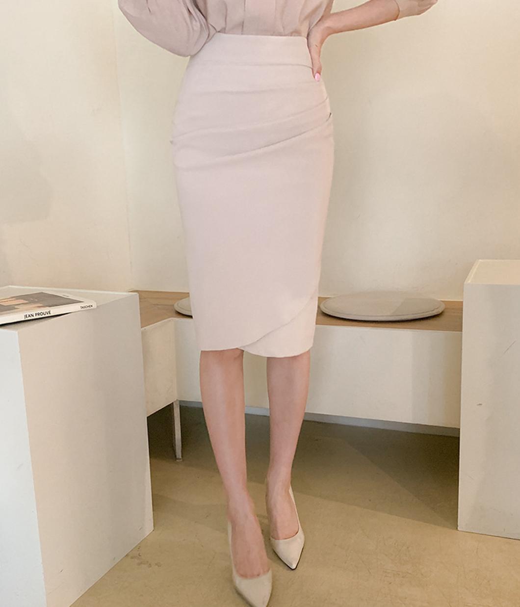 21.氣質抓皺設計包臀裙