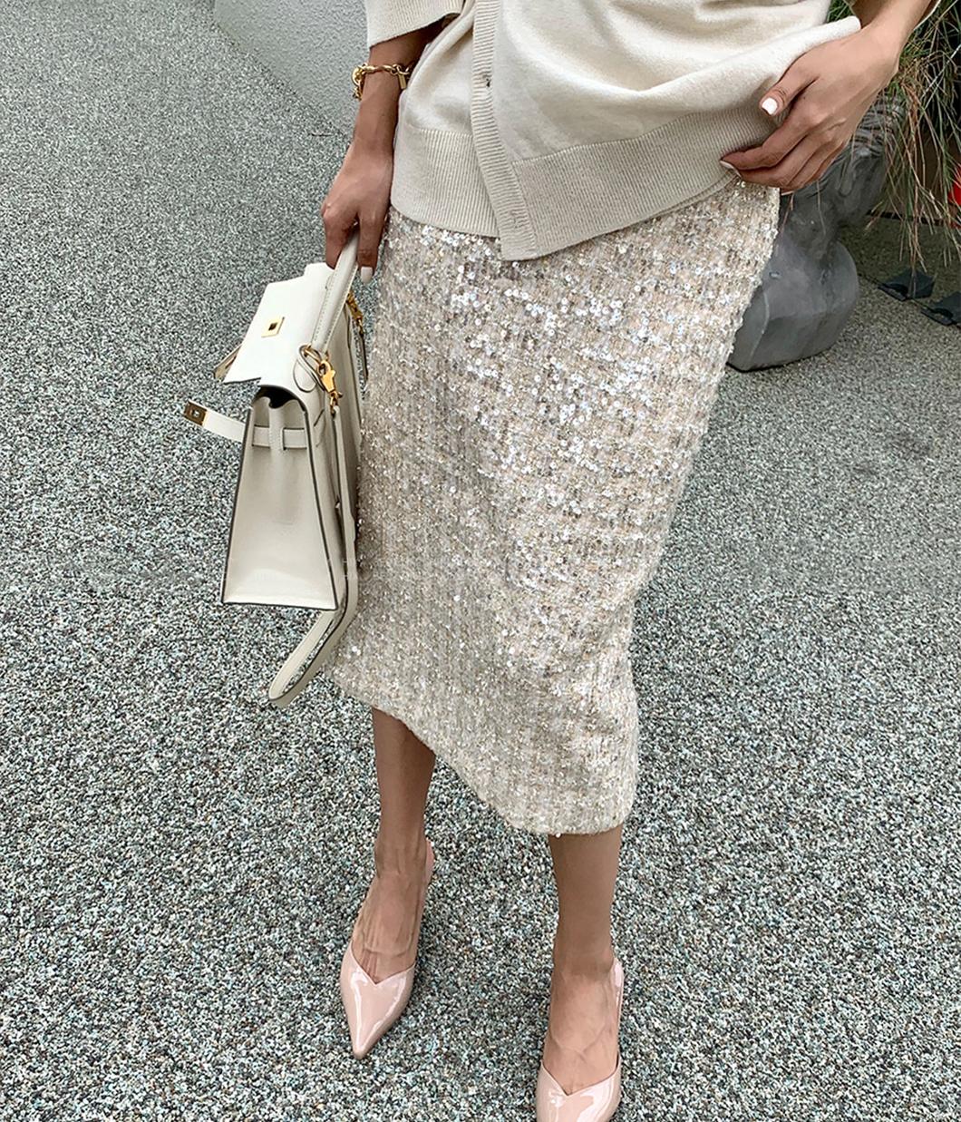 12.低奢感的亮片直筒裙
