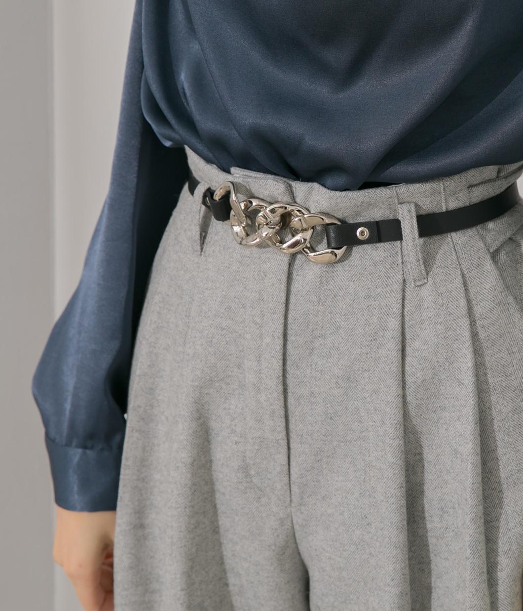 交疊金屬造型皮革腰帶