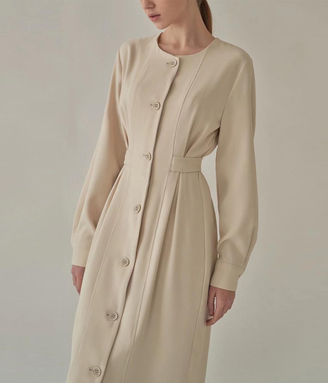 簡約質感排釦收腰洋裝