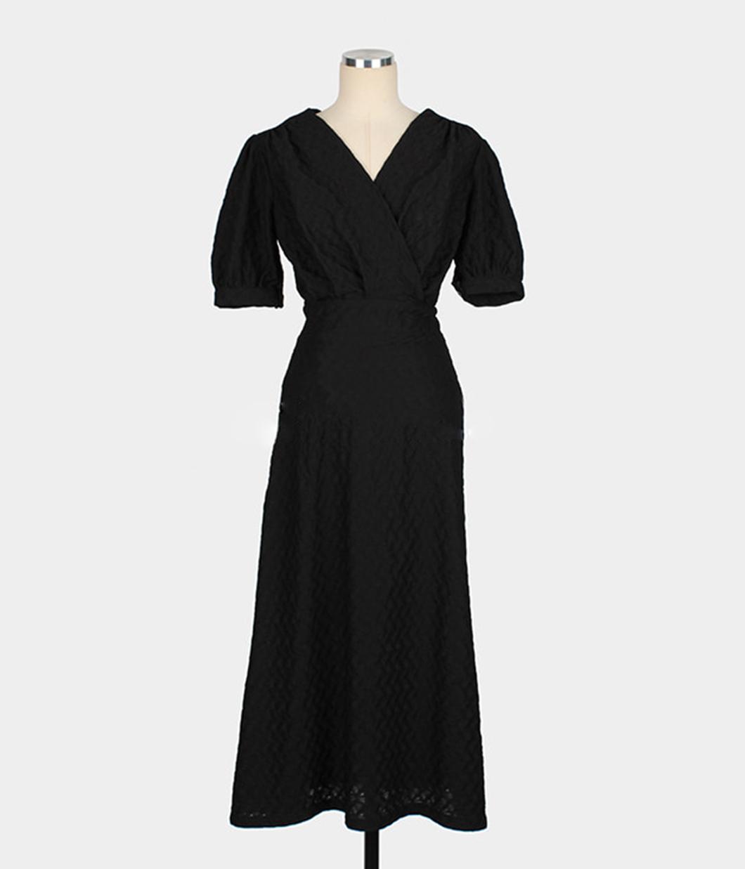 溫柔感細緻紋路交疊洋裝