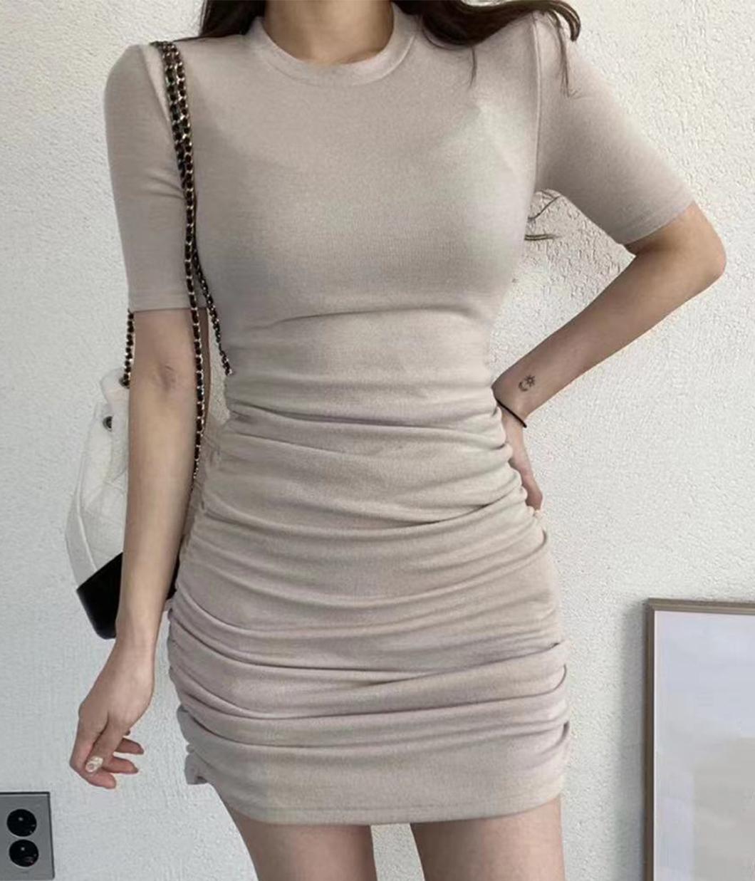 64.魅力曲線修身抓皺洋裝