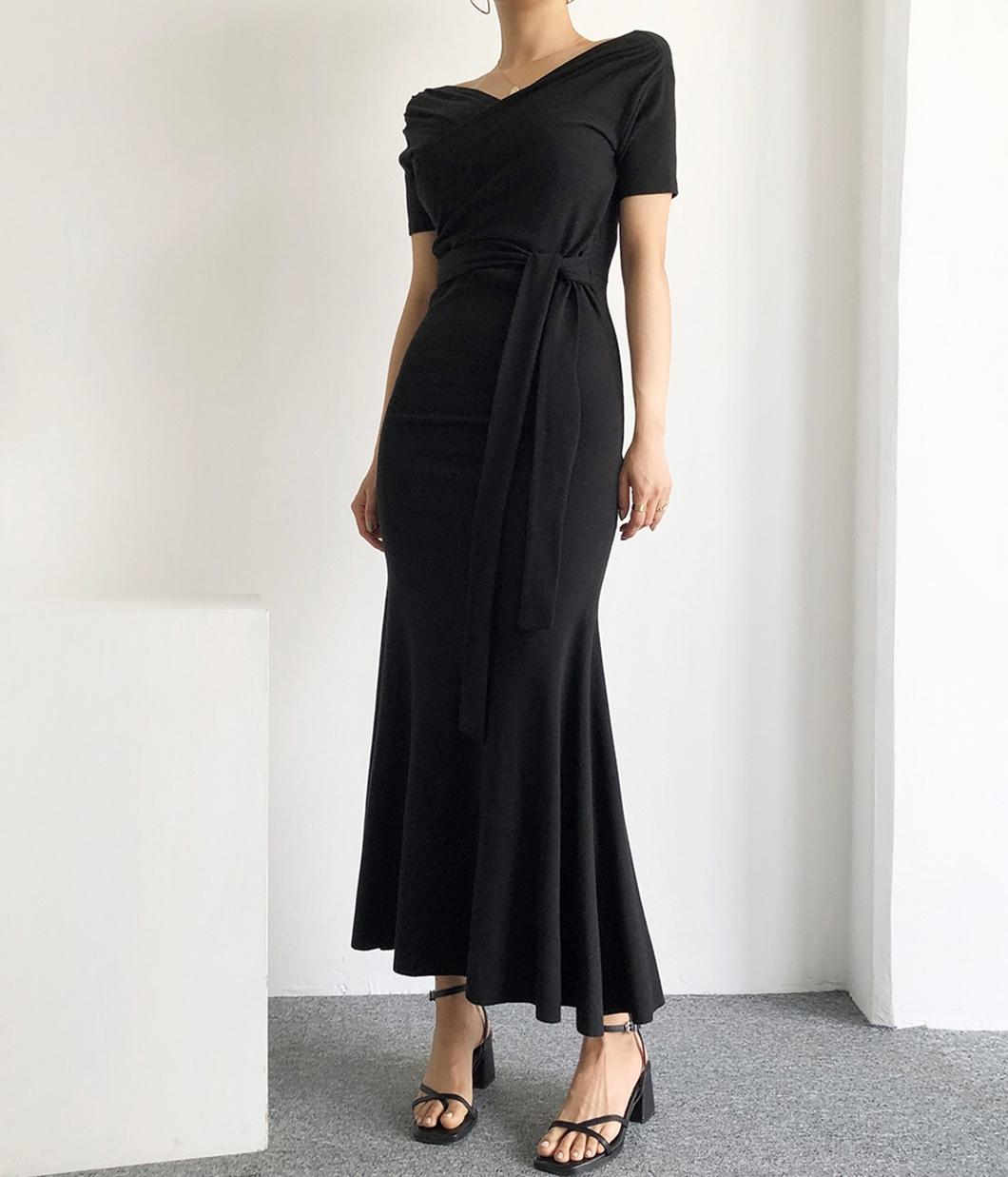 氣質剪裁都滿分的V領洋裝